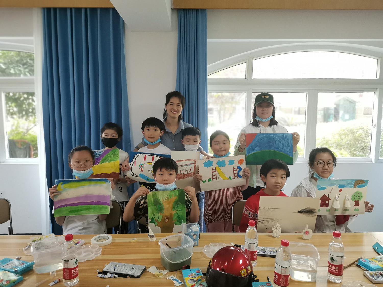 """""""彩虹桥""""困境儿童社会工作项目"""